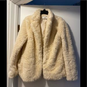 ☀️Forever 21 faux fur coat - ivory color - large